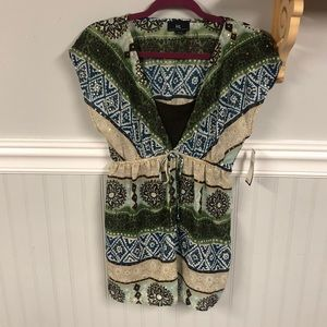 NWT Pretty Top with Hold Accents & Brown Cami